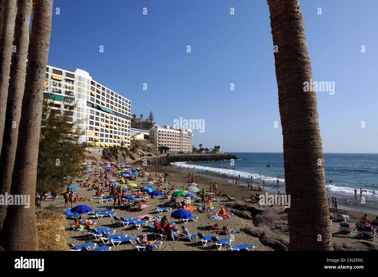 Beach and apartments near Anfi Del Mar Resort, Gran Canaria, Canary Islands - Stock Image