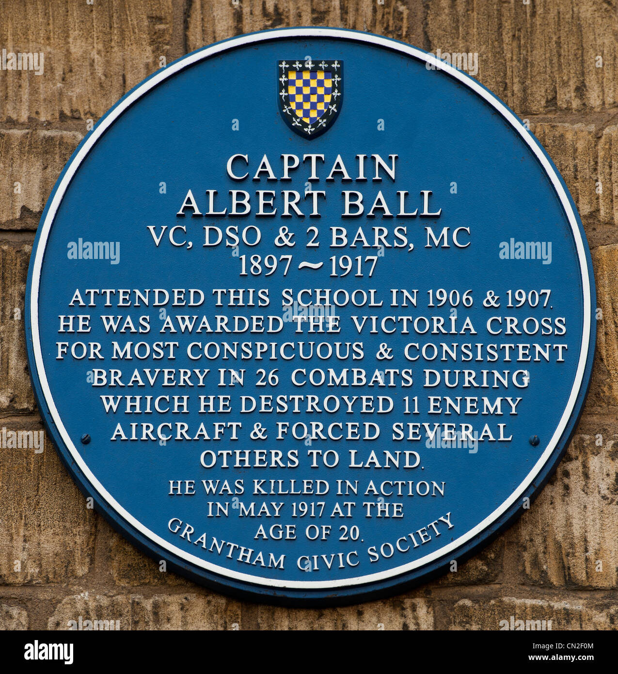 Blue plaque for Captain Albert Ball VC on the wall of King's School formerly Grantham Grammar School, Grantham, - Stock Image