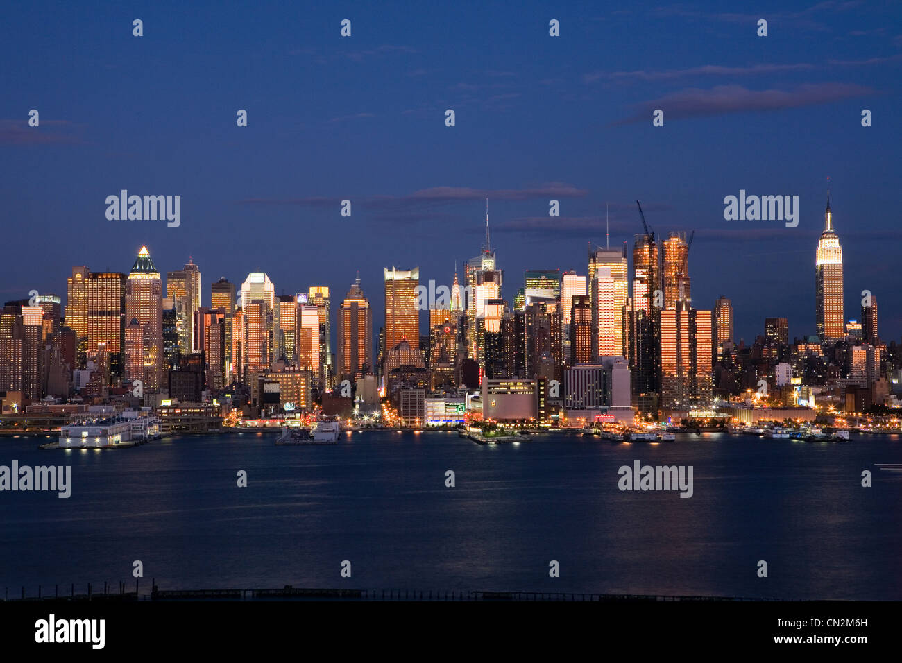 View of Manhattan and Hudson River at dusk, New York City, USA - Stock Image