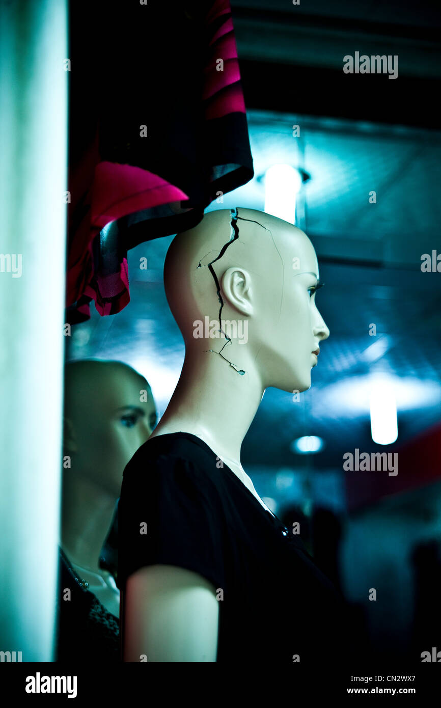 Mannequin with crack in head, Chongqing, China - Stock Image