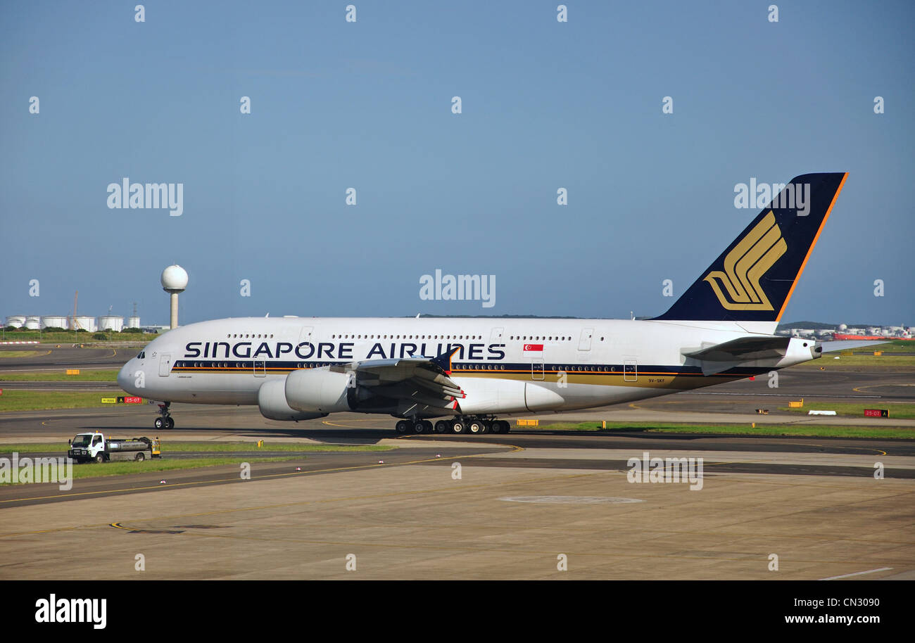 Singapore Airlines Airbus A380 aircraft at Sydney (Kingsford Smith) Airport, Mascot, Sydney, New South Wales, Australia - Stock Image