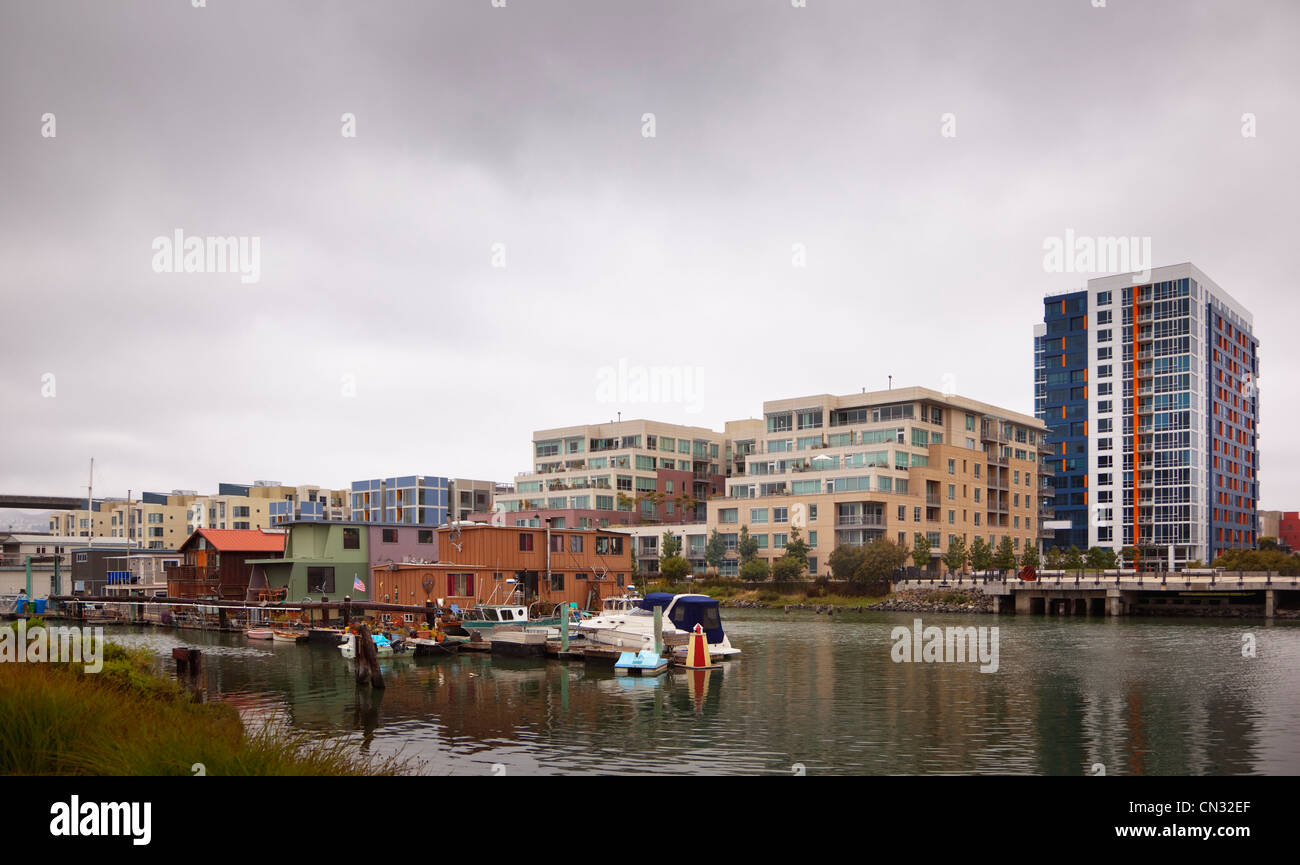 Luxury homes and houseboats on Mission Bay, San Francisco, California, USA - Stock Image