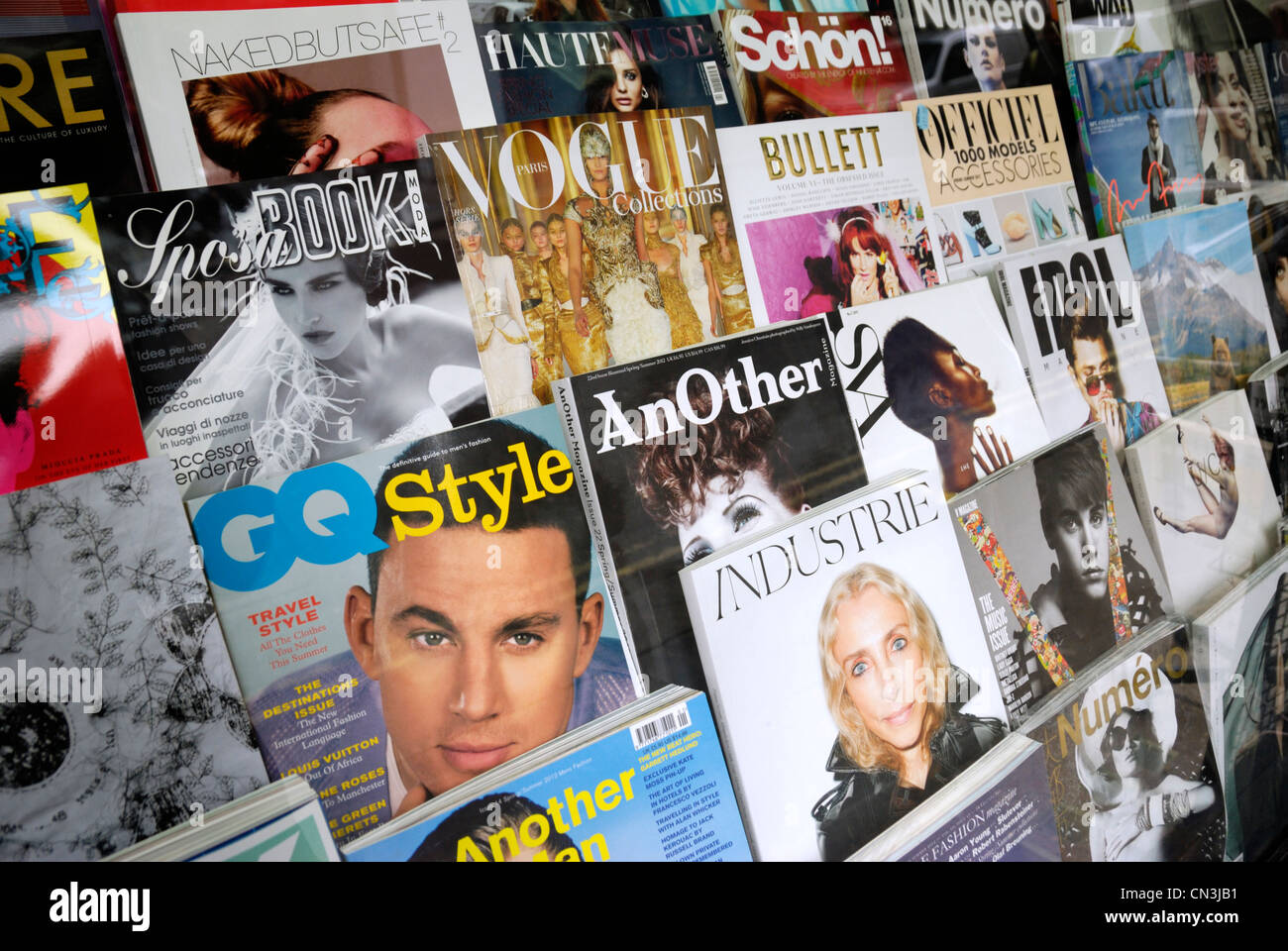 Fashion Magazine Stock Photos & Fashion Magazine Stock Images - Alamy