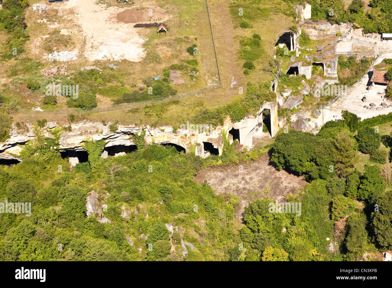France, Charente, St Même les Carrieres, extraction of stone occurred almost always open until the 17th century - Stock Image