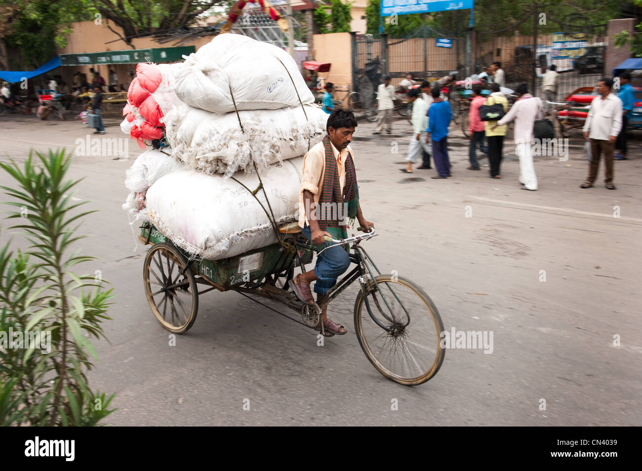 A busy street scene in India - Stock Image