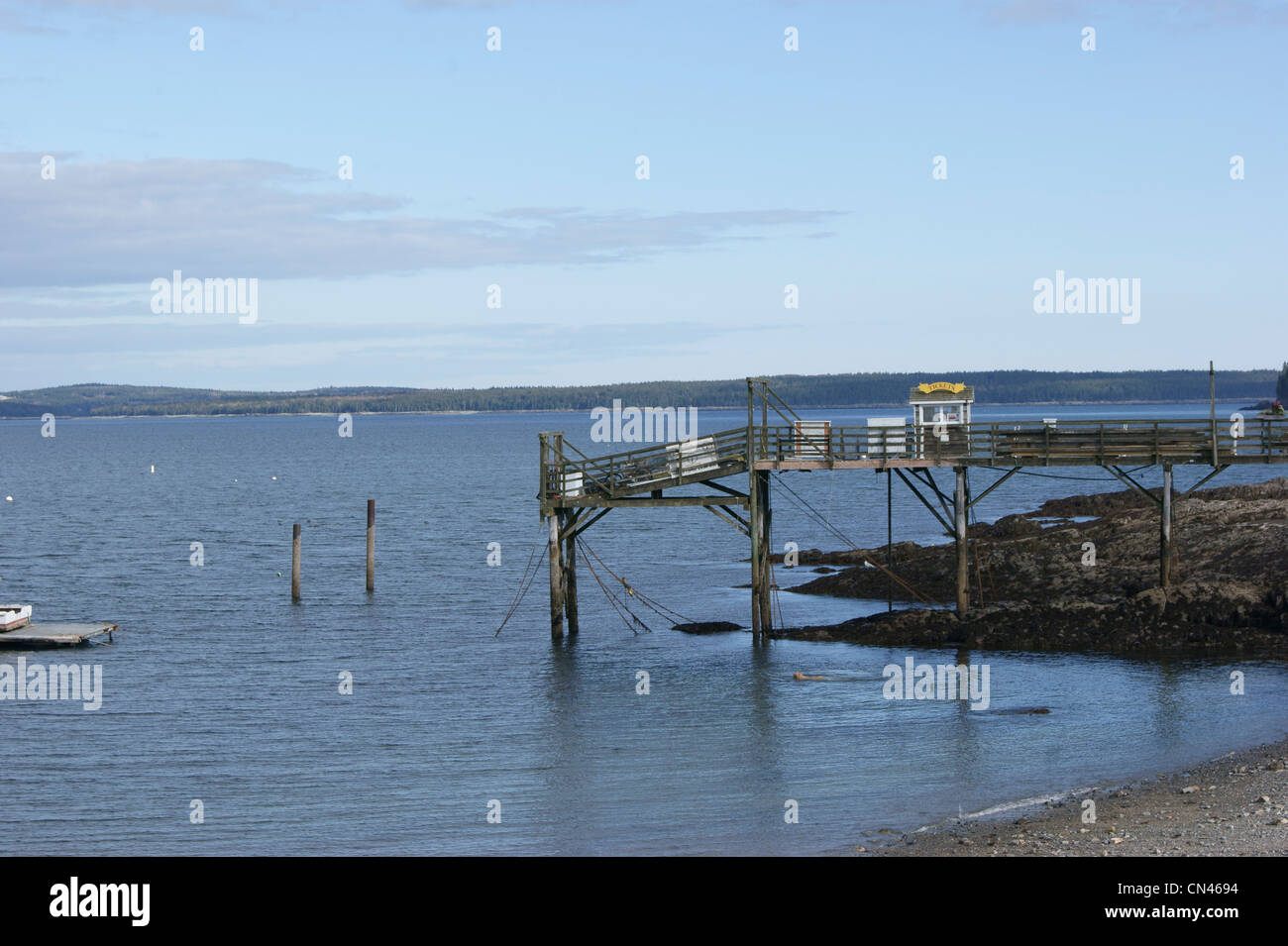 Tour boat pier with ticket office in Bar Harbor, Maine. - Stock Image