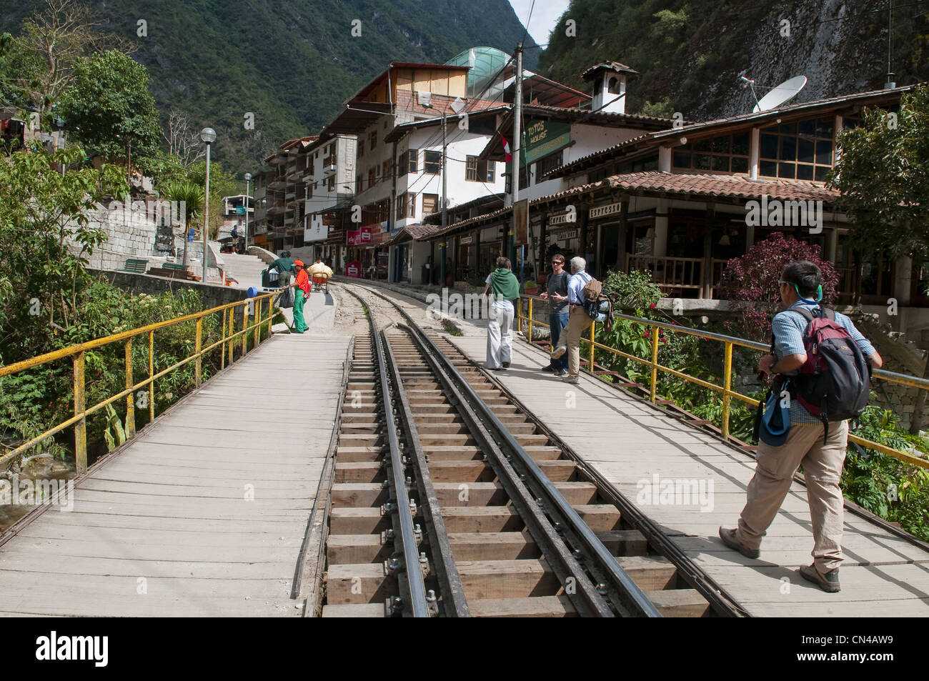 Peru, Cuzco Province, Aguas Calientes, quechua railway station in the town at the foot of Machu Picchu - Stock Image
