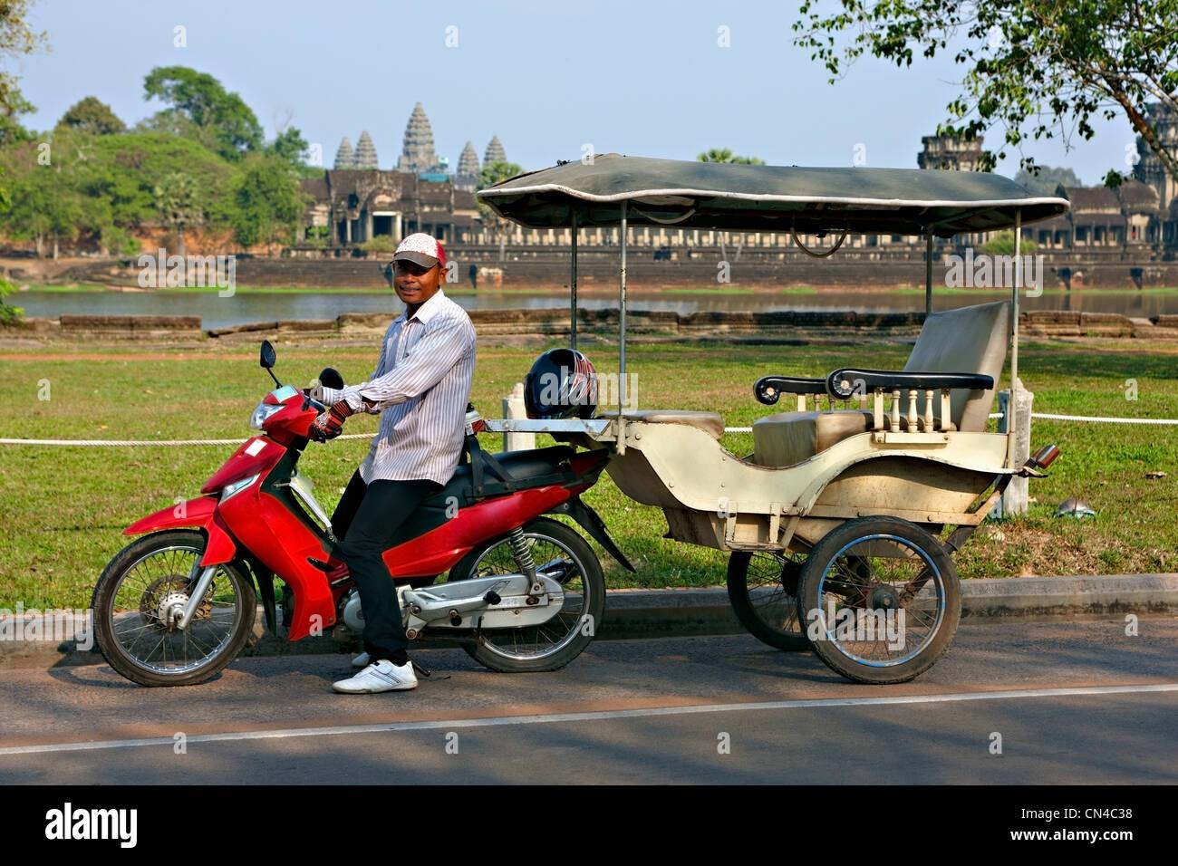 Tuk tuk driver at Angkor Wat, Siem Reap, Cambodia     , Vietnam - Stock Image