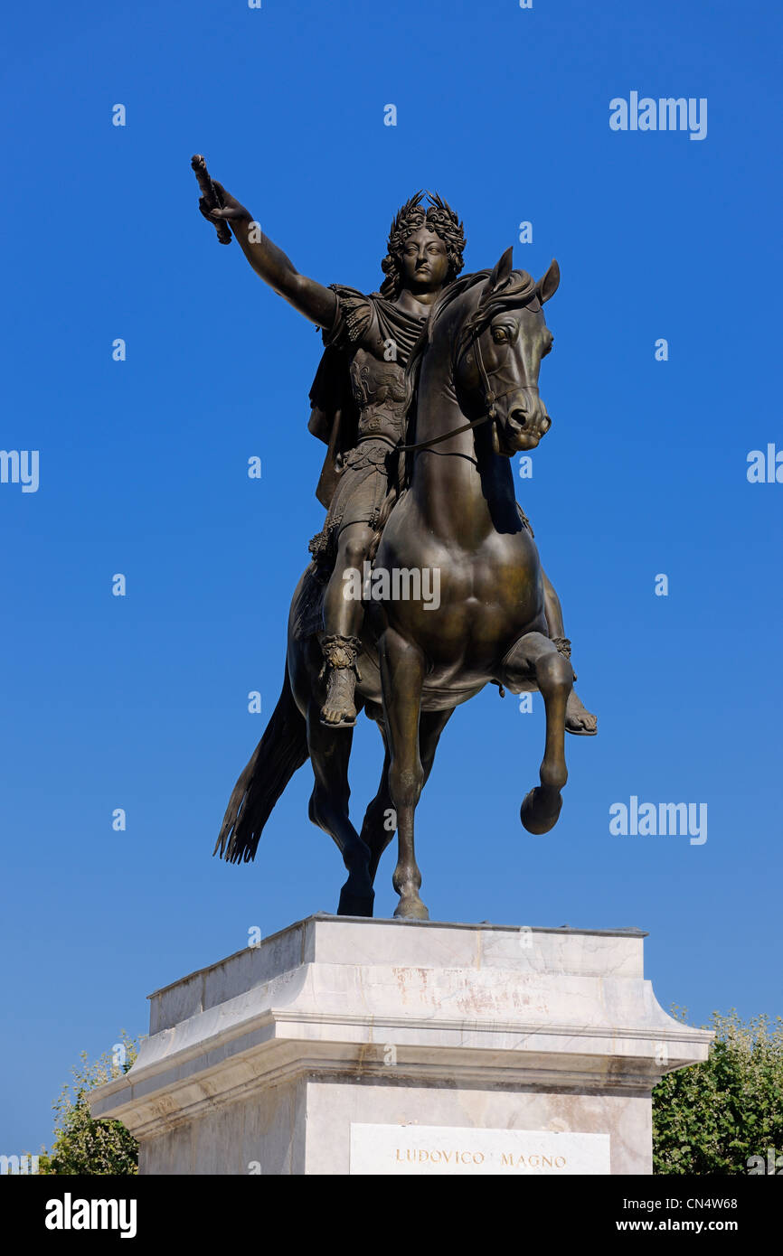France, Herault, Montpellier, historical center, Place du Peyrou (Peyrou Square), Louis XIV statue - Stock Image
