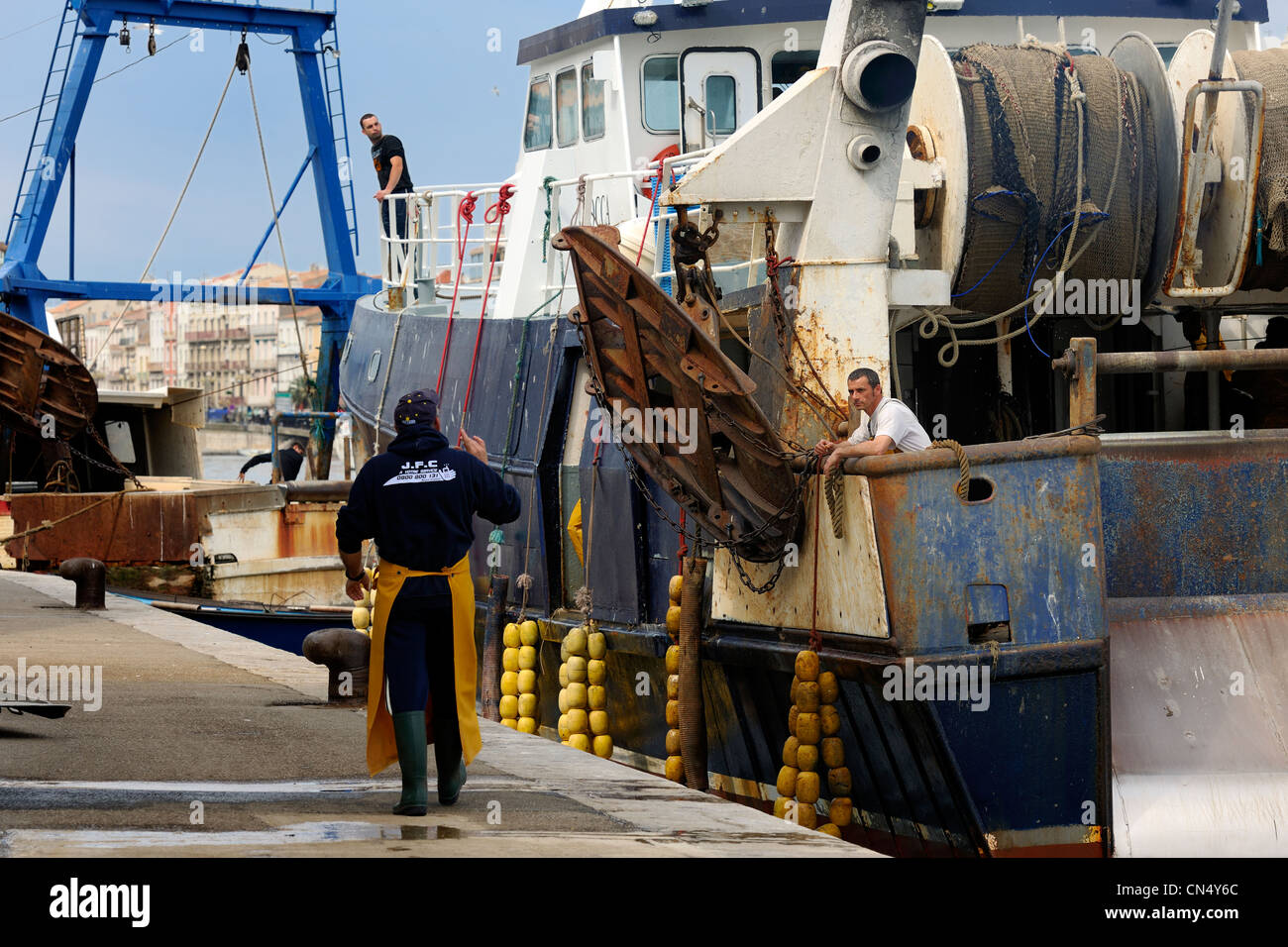 France, Herault, Sete, docking activity on the port of the fish auction market - Stock Image
