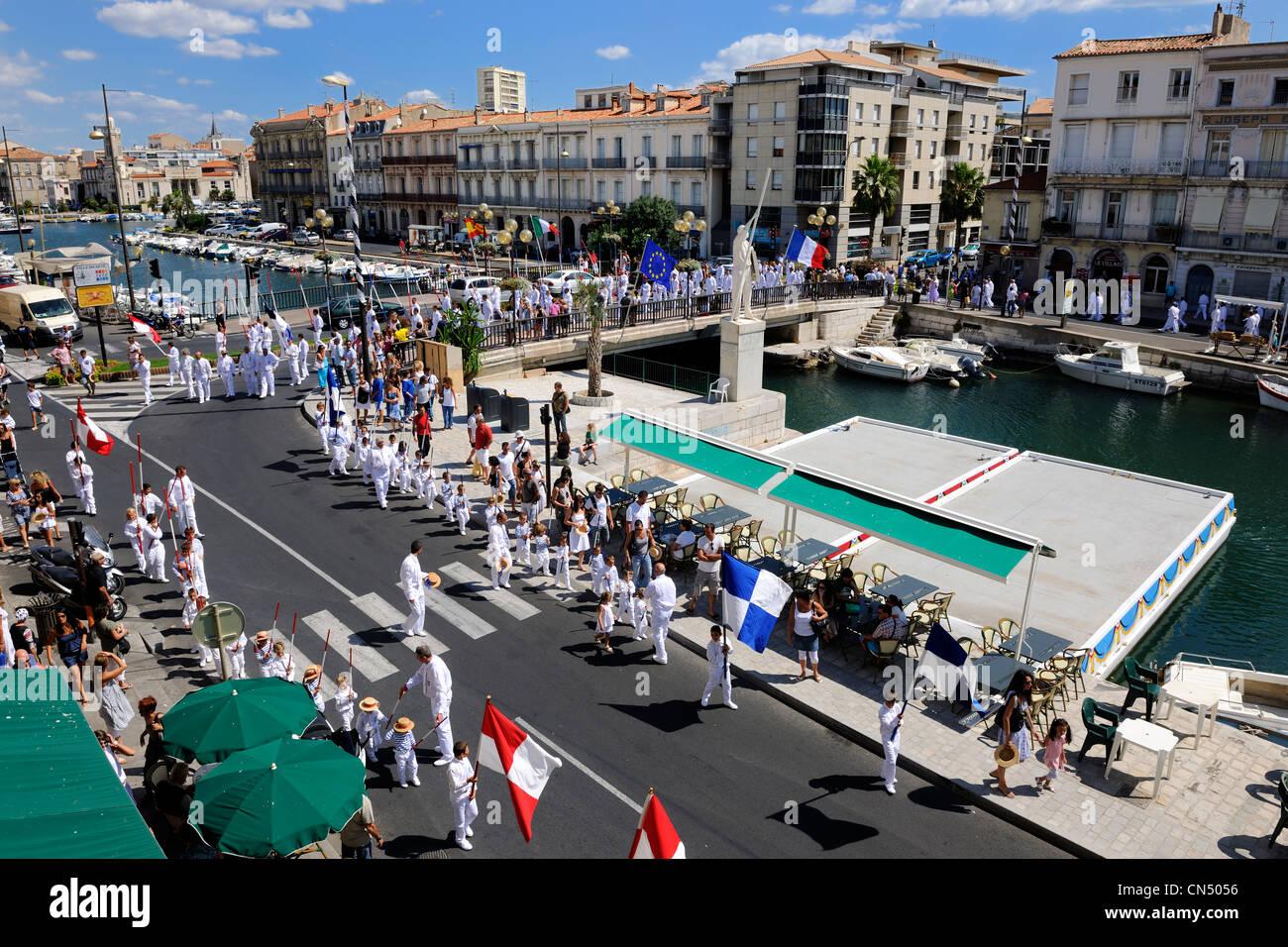 France, Herault, Sete, Fete de la Saint Louis (St Louis's feast), parade of the water jousters - Stock Image