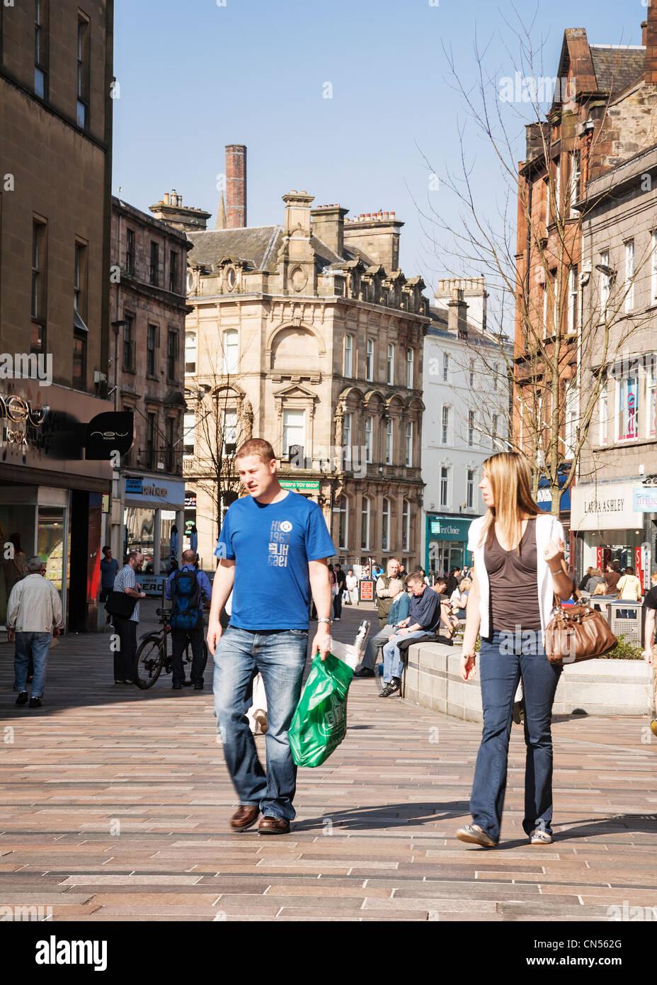 Murray Place pedestrian shopping precinct, Stirling, Scotland. - Stock Image