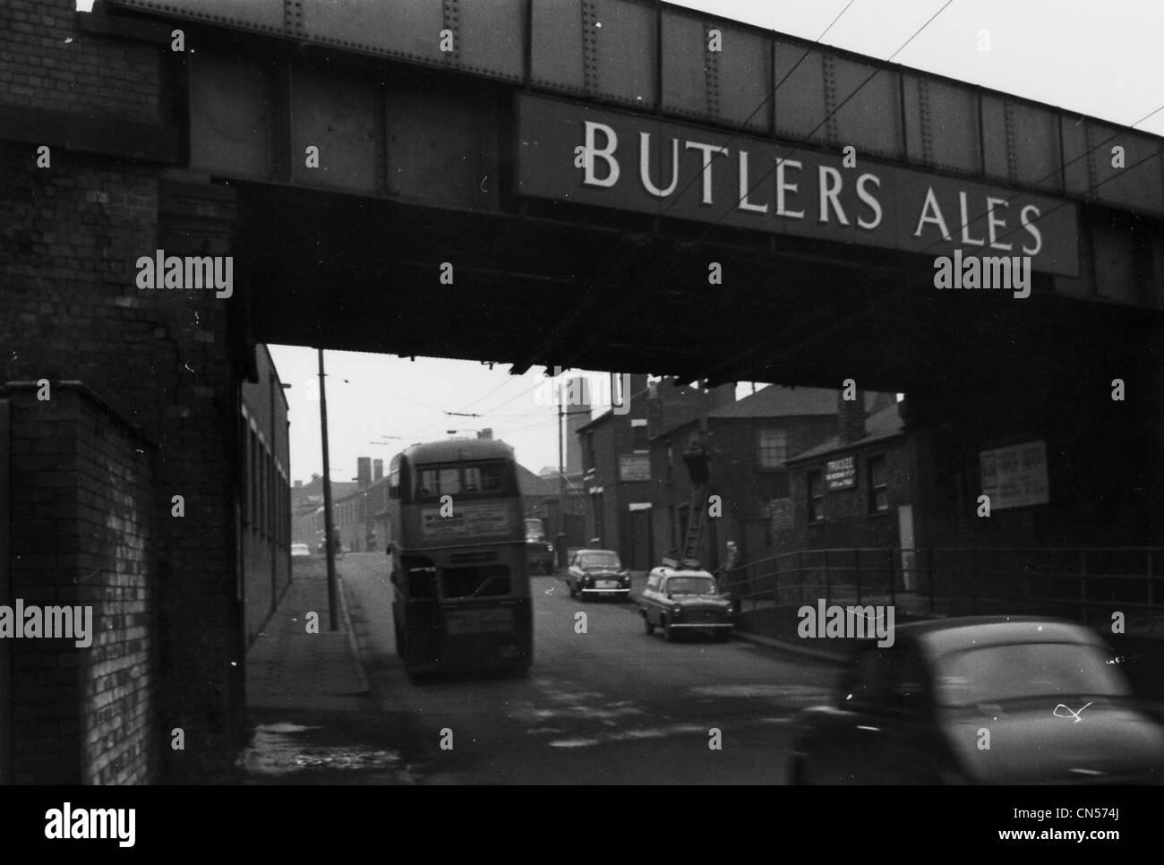 Railway Bridge, Horseley Fields, Wolverhampton, mid 20th century. - Stock Image