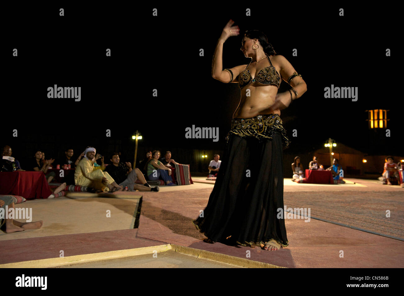 United Arab Emirates, Dubai, dance spectacle in the desert - Stock Image