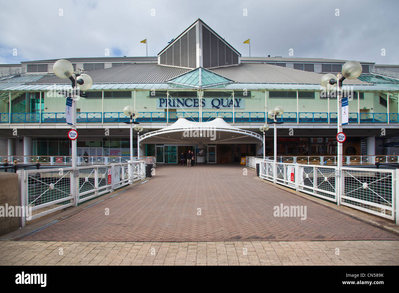The Princes Quay Shopping Centre, Hull, East Yorkshire, UK - Stock Image