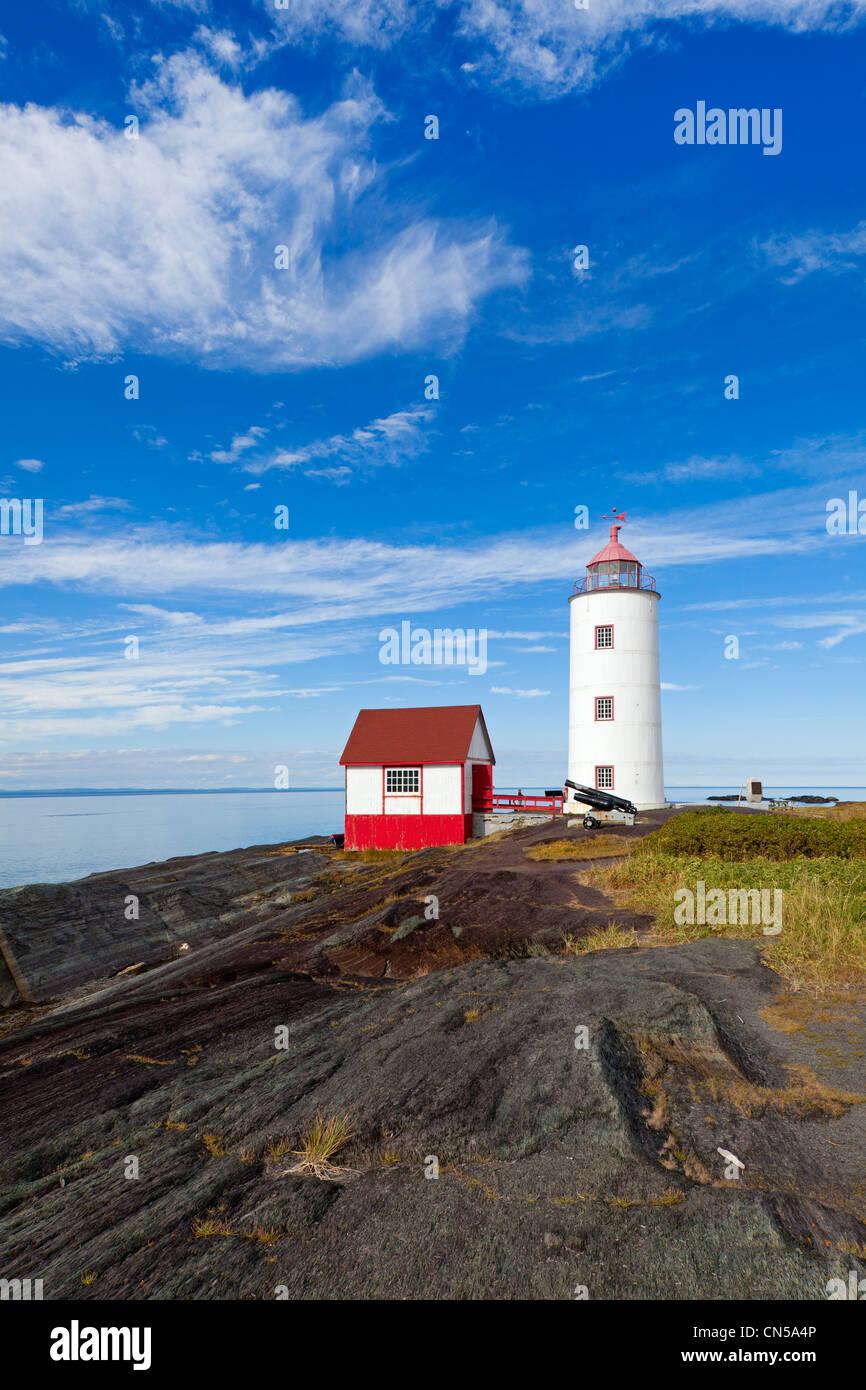 Canada, Quebec Province, Bas Saint Laurent, Ile Verte, the lighthouse and cottage - Stock Image