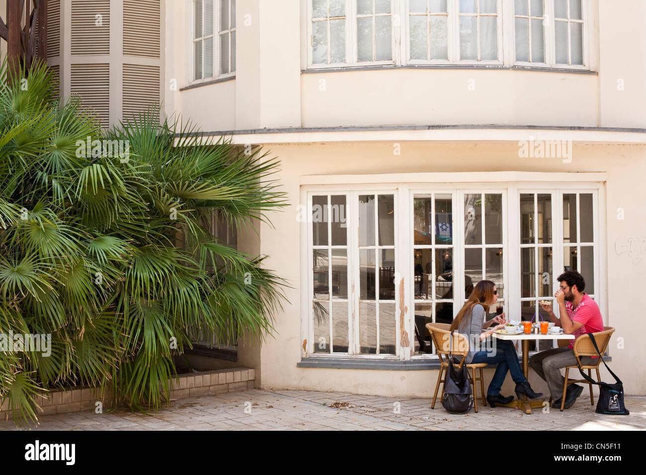 Israel, Tel Aviv, Mazeh Street, Chelouche Gallery, restaurant patio - Stock Image