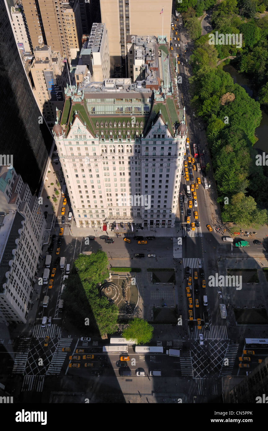 United States, New York City, Manhattan, Midtown, the Plaza Hotel on Grand Army Plaza on the edge of Central Park - Stock Image