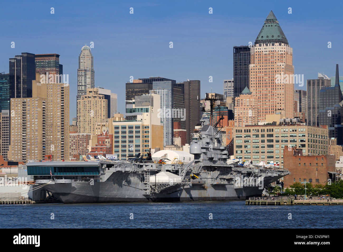 intrepid museum stock photos  u0026 intrepid museum stock
