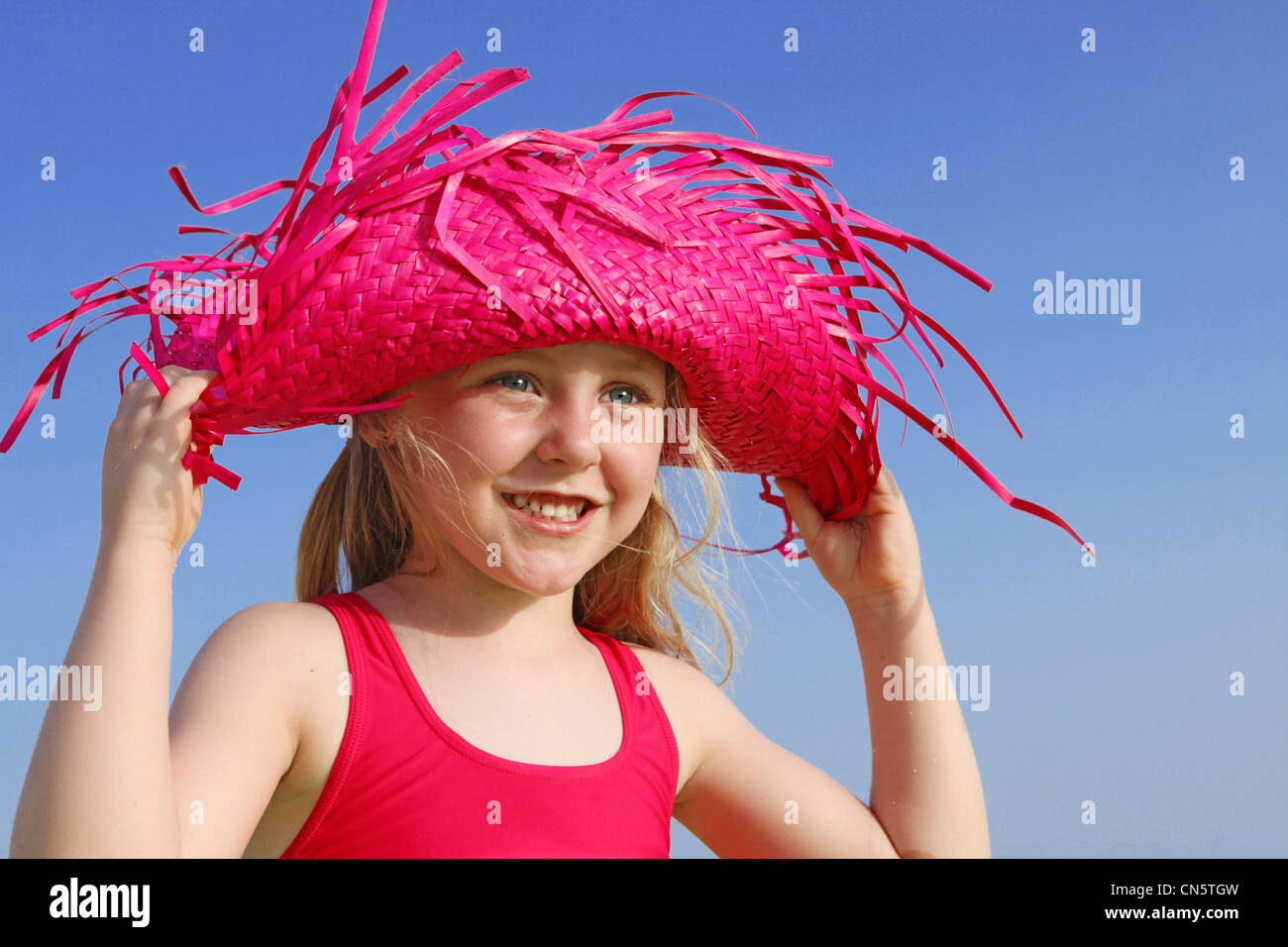 happy summer child in sun hat - Stock Image