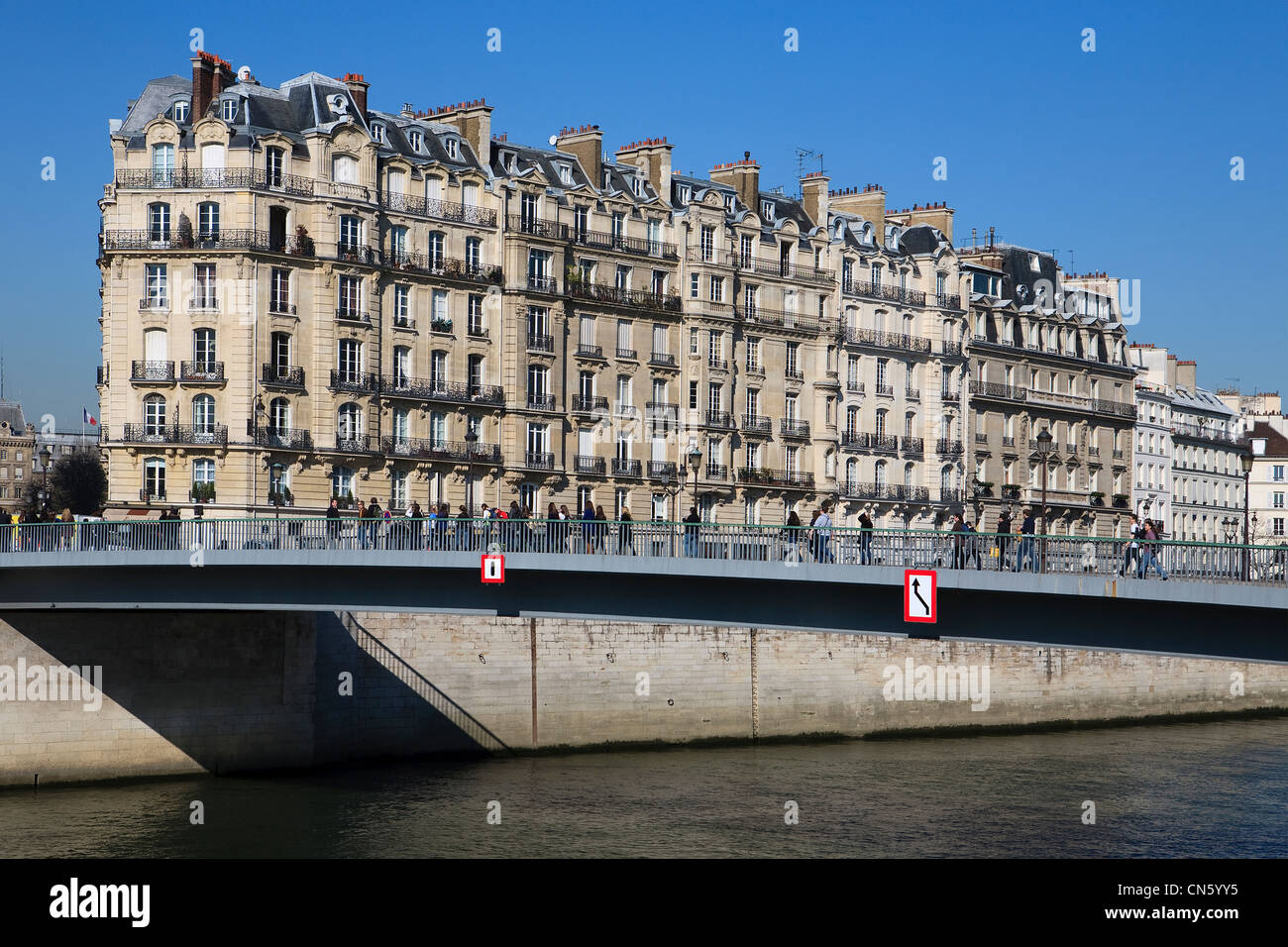 France, Paris, the Seine river banks listed as World Heritage by UNESCO and St Louis bridge - Stock Image