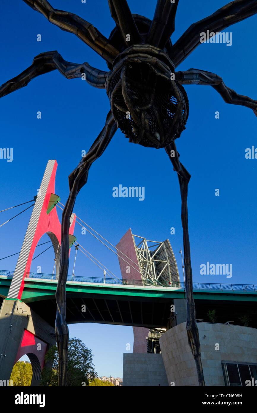 Louise Bourgeois's Spider and Daniel Buren's Red Arch in Bilbao Spain - Stock Image