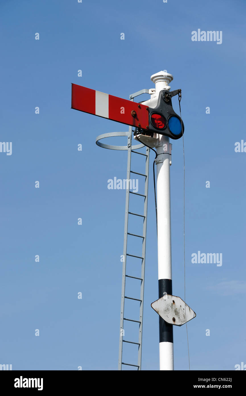 Railway signal showing stop - Stock Image
