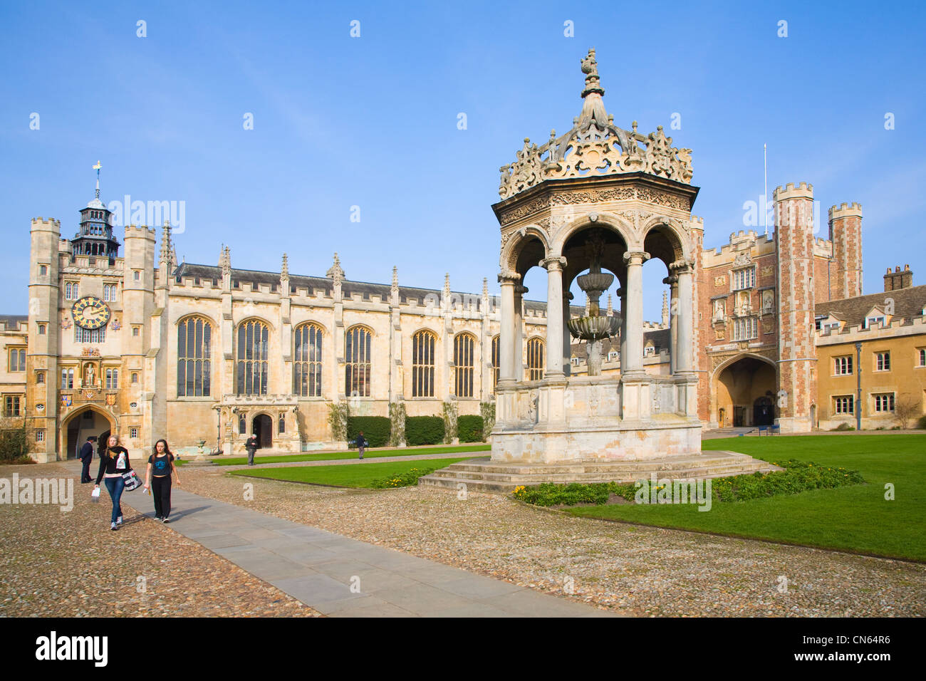 The Great Court, Chapel, fountain and Gatehouse Trinity College Cambridge University England - Stock Image