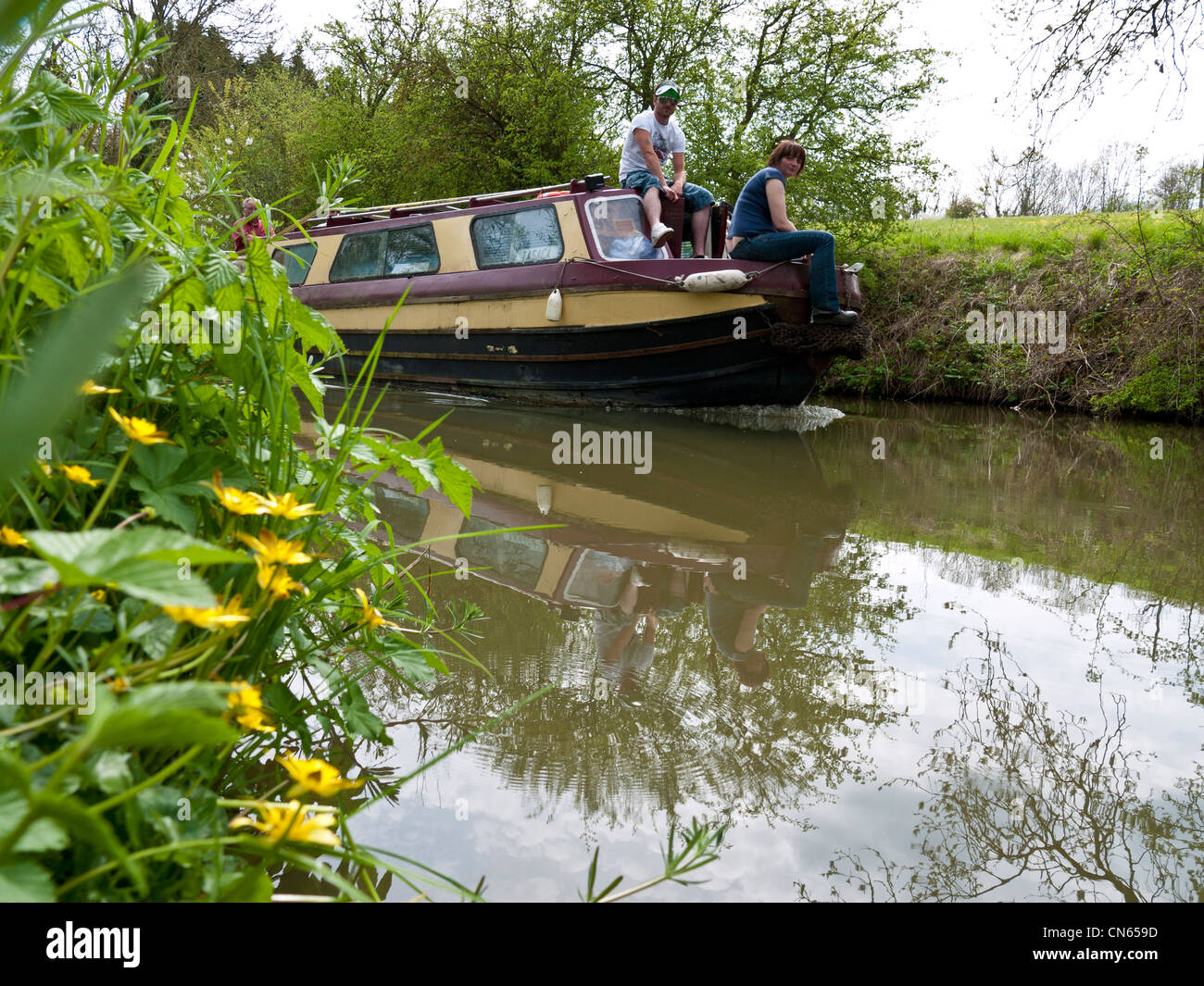 Narrow boat traveling on the Oxford canal, England, UK - Stock Image