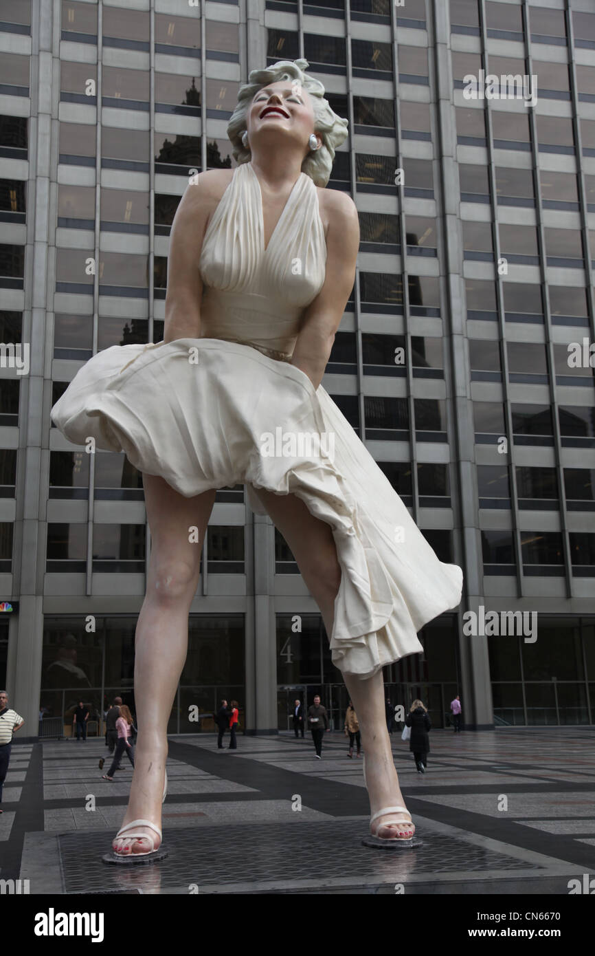 Statue of Marilyn Monroe in Chicago, Illinois USA usa united states of america actress hollywood celebrity movies - Stock Image
