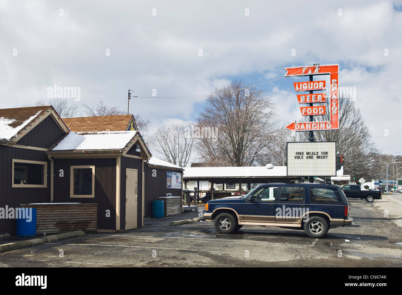 Sign at Pop A Top Tavern Advertising Free Meals for Volunteers and Needy after the March 2 2012 Tornado in New Pekin, - Stock Image