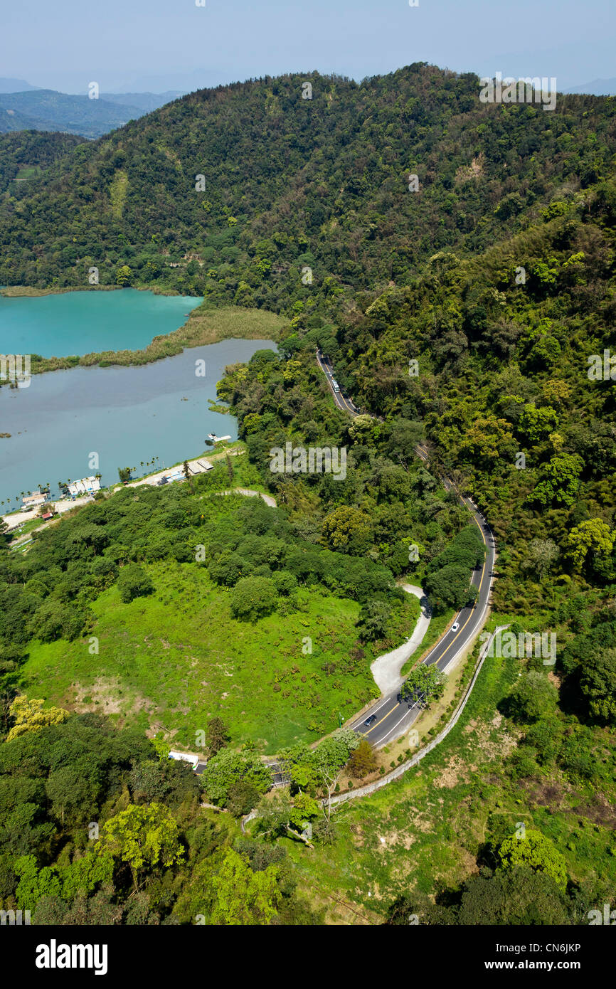 Looking down on Dazhuhu Nature Trail from the Sun Moon Lake Ropeway cable car, Taiwan. JMH5811 - Stock Image