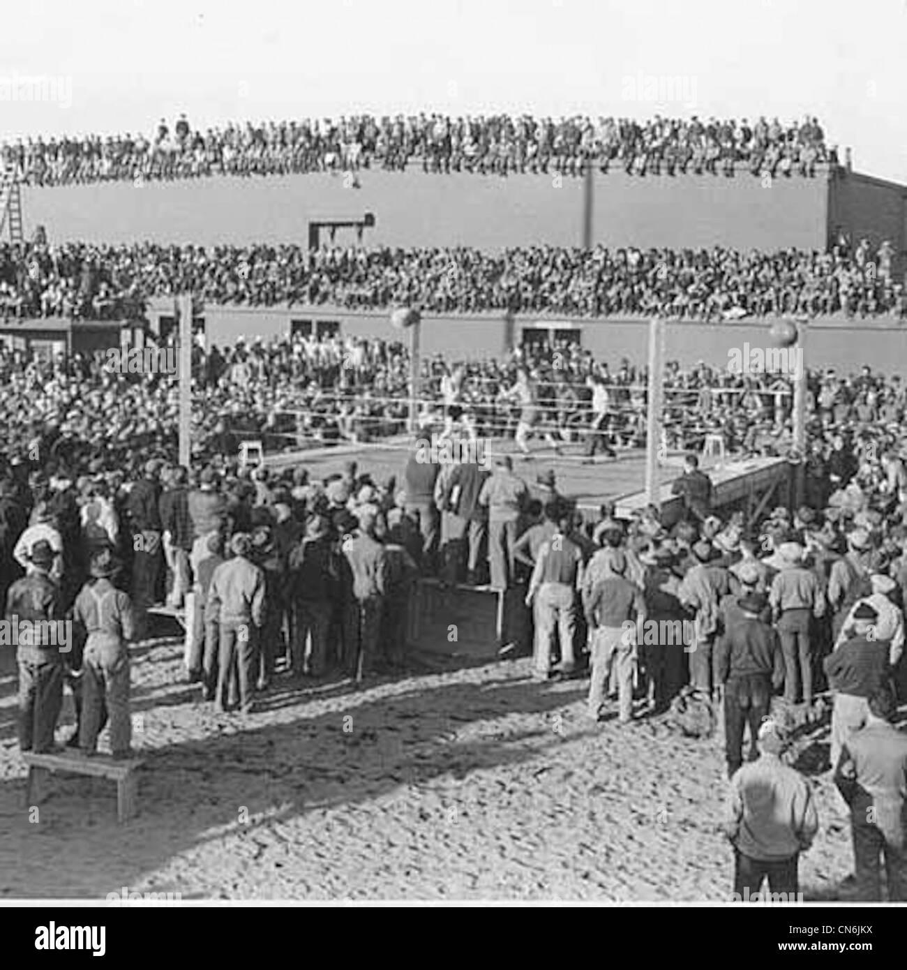 Boxing match outside of mess hall, Allied forces base, Adak Island, July 4, 1944. - Stock Image
