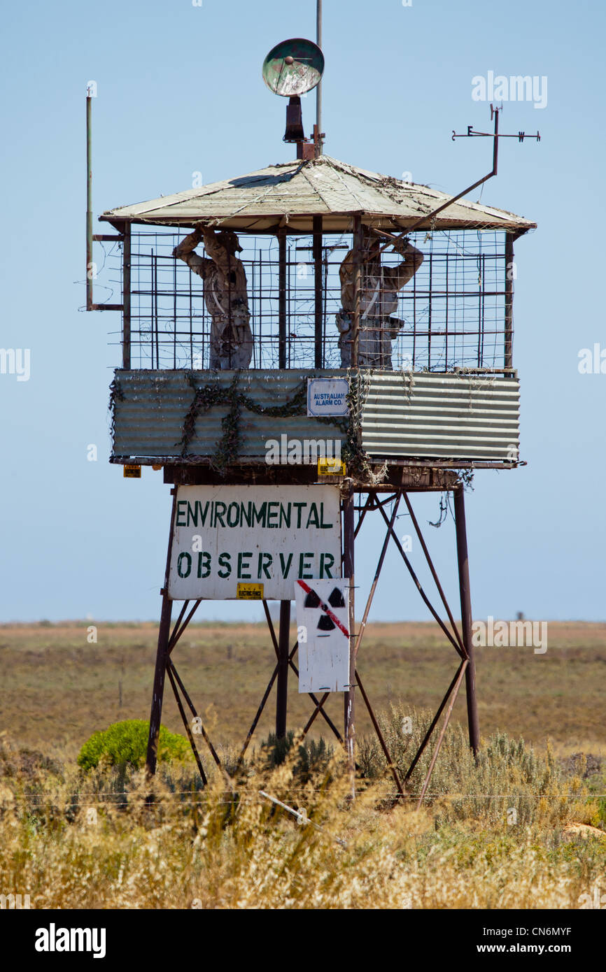 Quirky protest structures. Anti toxic dumps at Two Wells. South Australia. - Stock Image