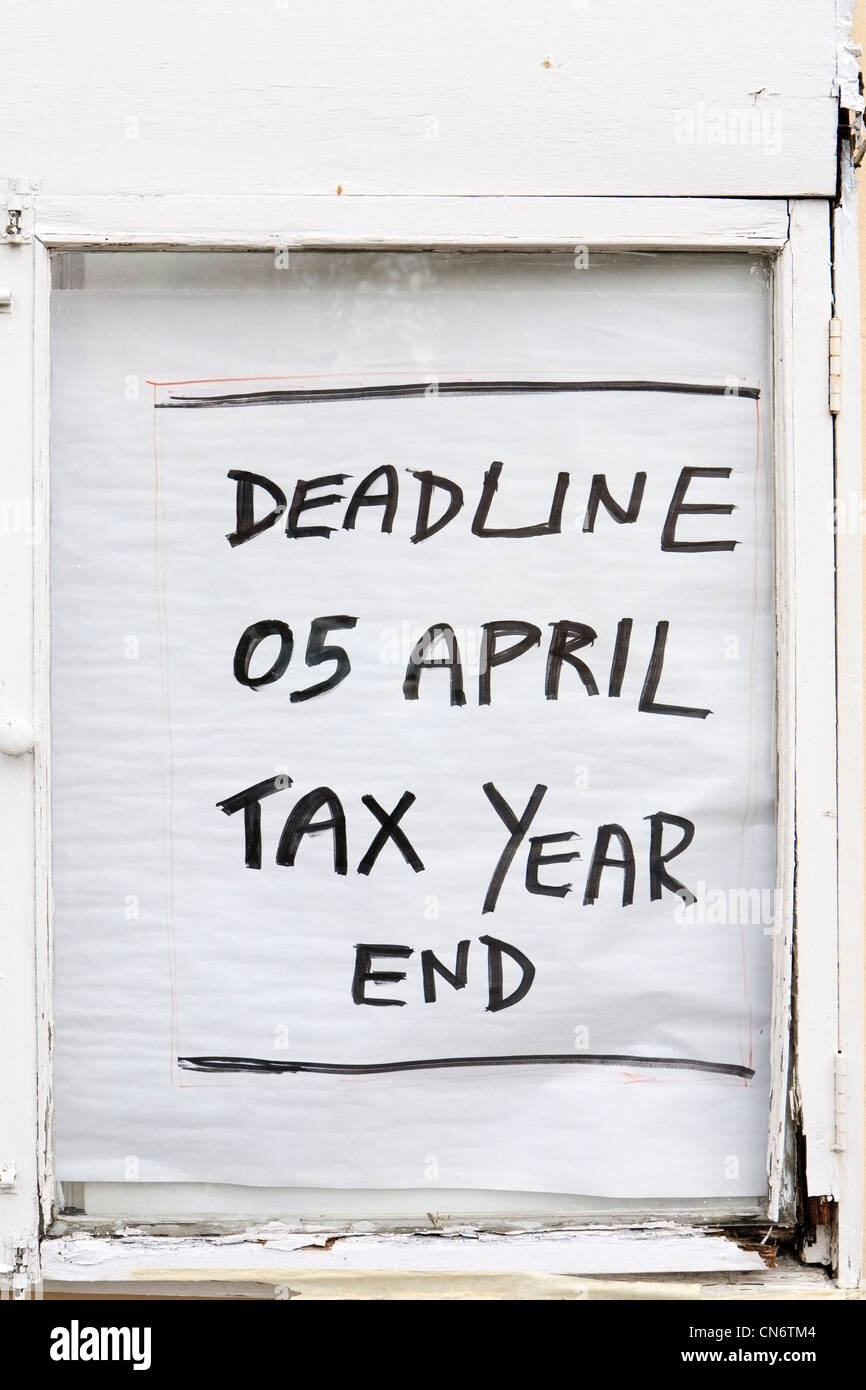 Income tax payment deadline - Stock Image