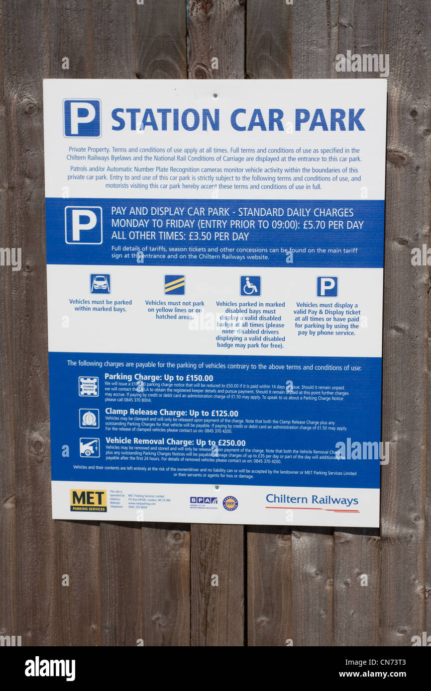 Met Parking Services >> Car Parking Sign In Wendover Station Car Park Stock Photo 47485203
