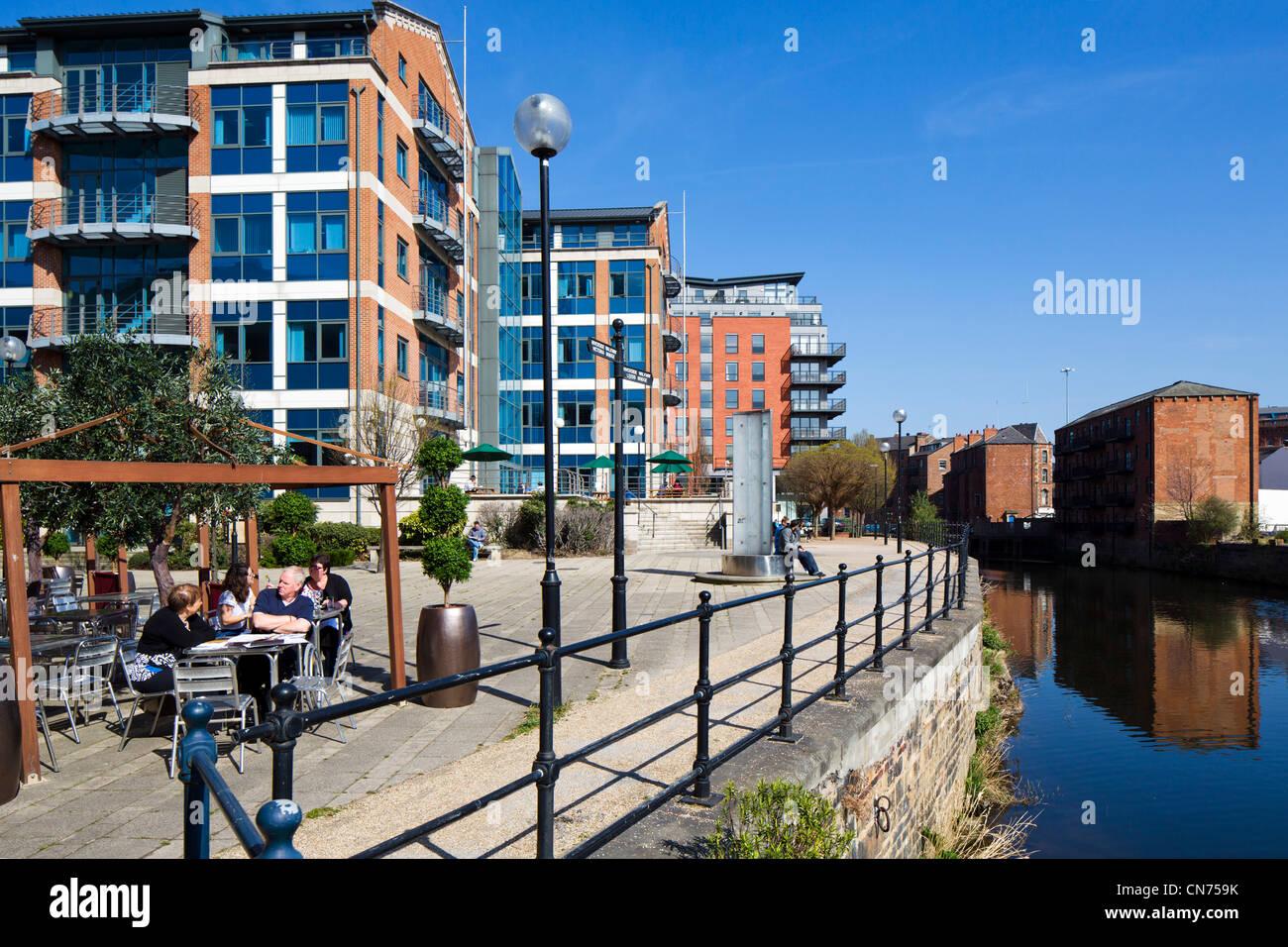 Riverside Walkway on the River Aire between Leeds Bridge and Victoria Bridge, Leeds, West Yorkshire, England - Stock Image