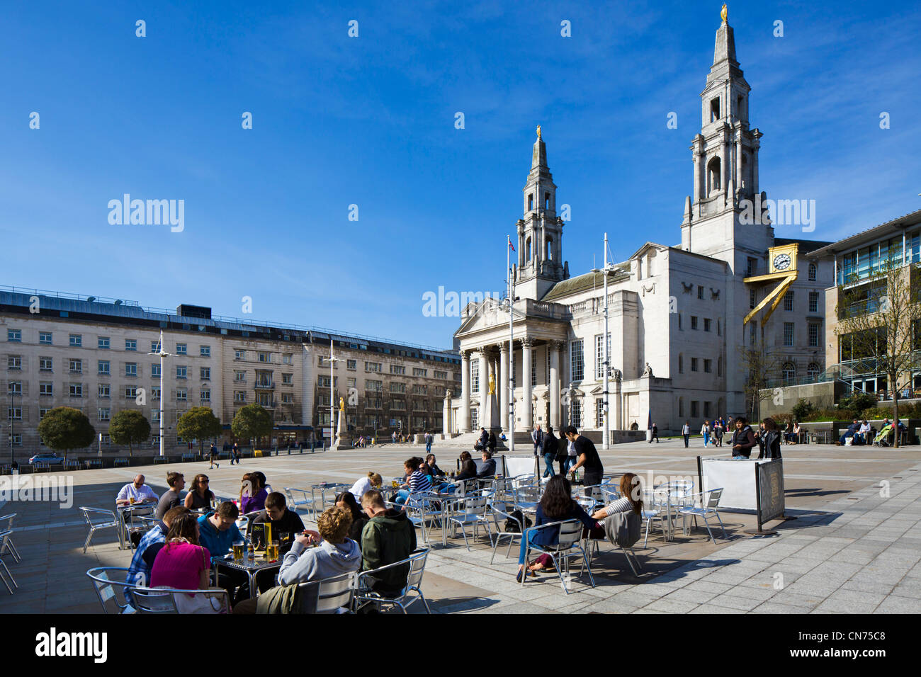 Cafe in front of Leeds Civic Hall, Millenium Square, Leeds, West Yorkshire, England - Stock Image