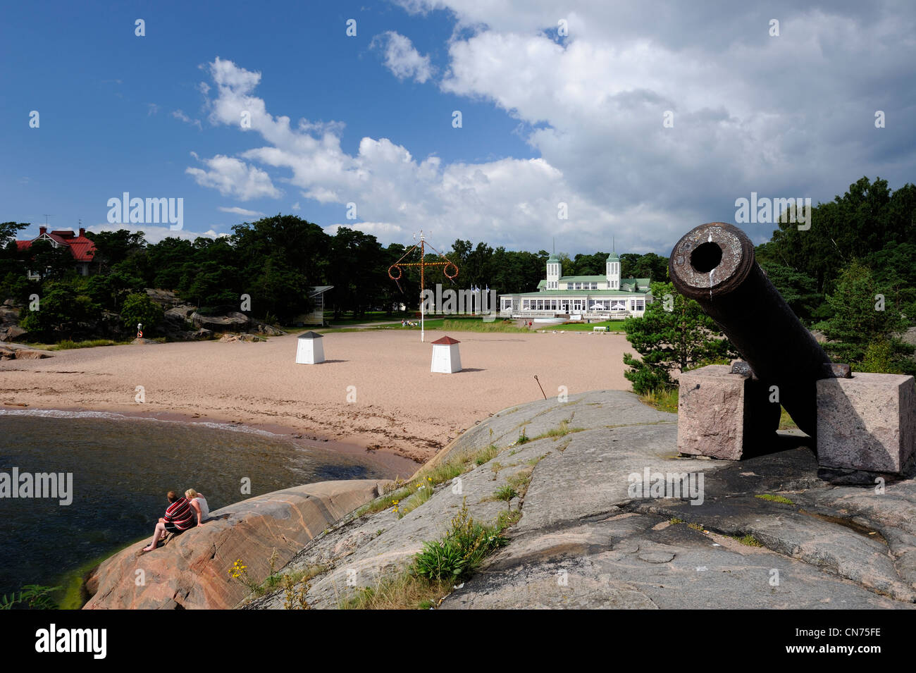 Casino's beach of Hanko town is an idyllic and quiet beach with plenty of room to have a picnic and go swimming. - Stock Image
