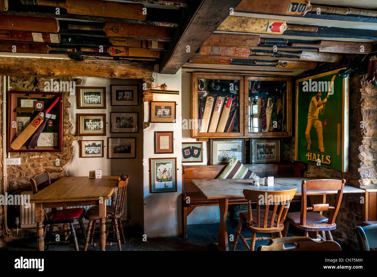 Village pub interior, UK - The Bat & Ball Inn, Cuddesdon, Oxford, UK - Stock Image