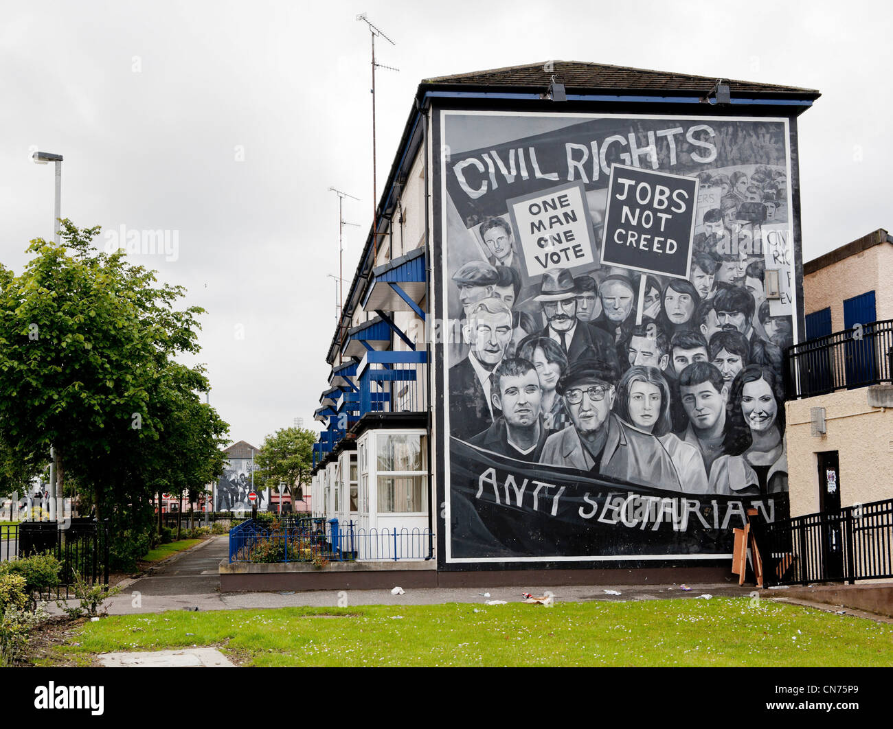 A mural in Derry depicting events during the Troubles in Northern Ireland - Stock Image