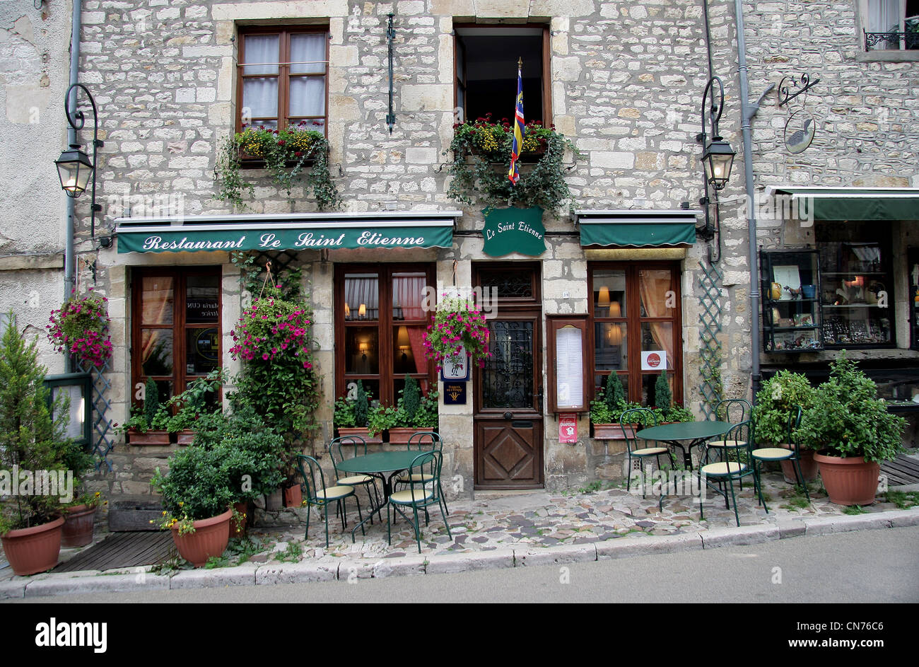 Vezelay France Pittoresk Typical French House Building Tourism Restaurant