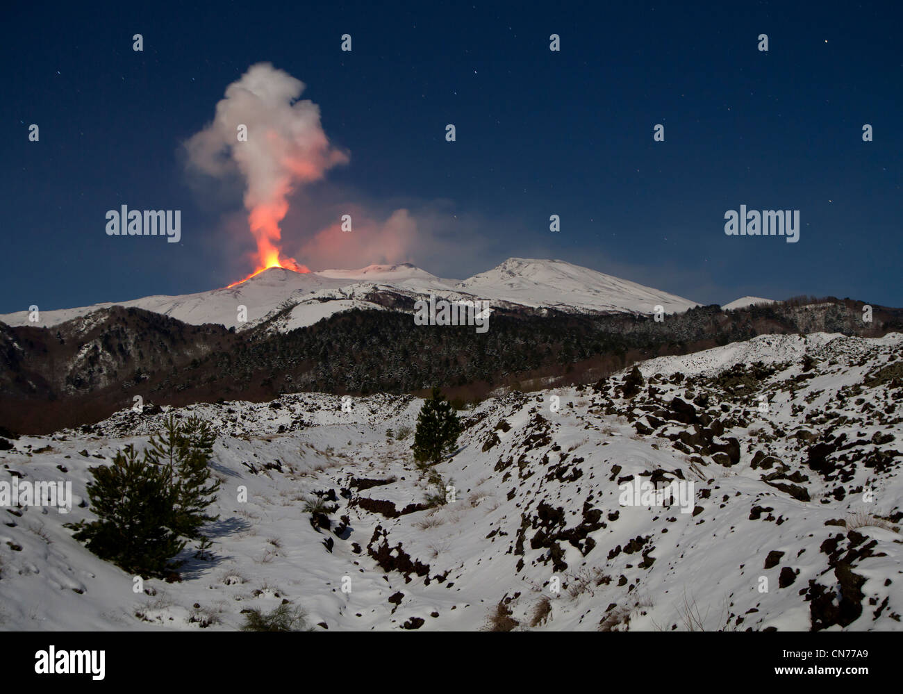 Eruption of Mount Etna, 8-9 February 2012, viewed from the Mareneve road above Fornazzo, Sicily, Italy - Stock Image