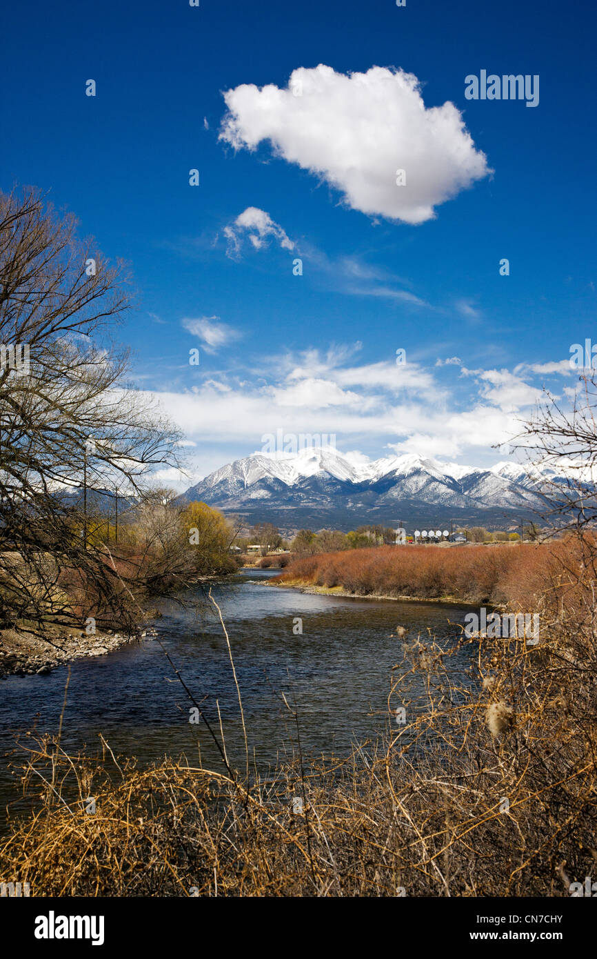 The Arkansas RIver runs through the downtown historic district of the small mountain town of Salida, Colorado, USA - Stock Image