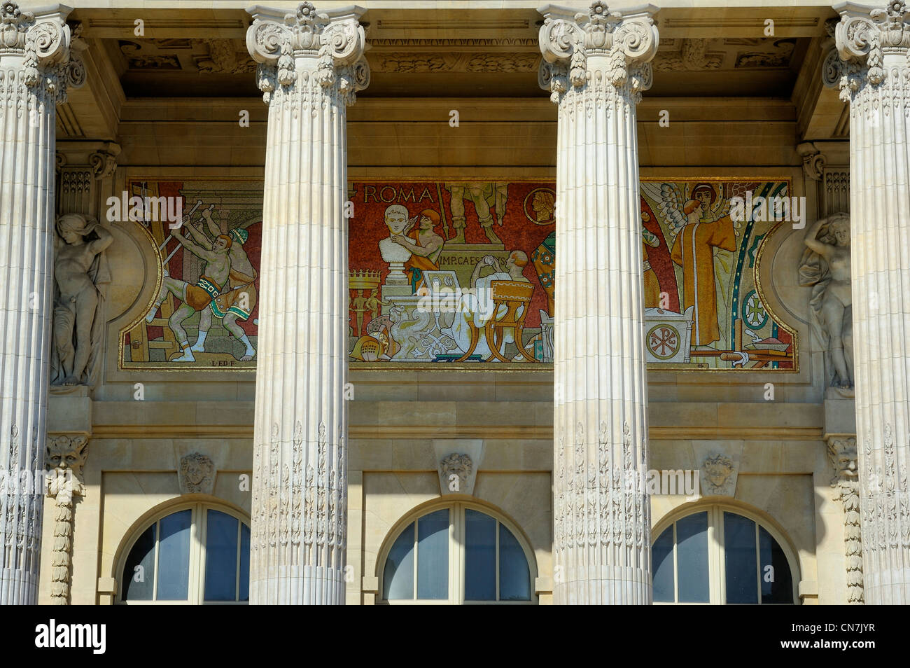 France, Paris, Grand Palais, detail of inside friezes of the peristyle of the main facade designed by Henri Deglane - Stock Image