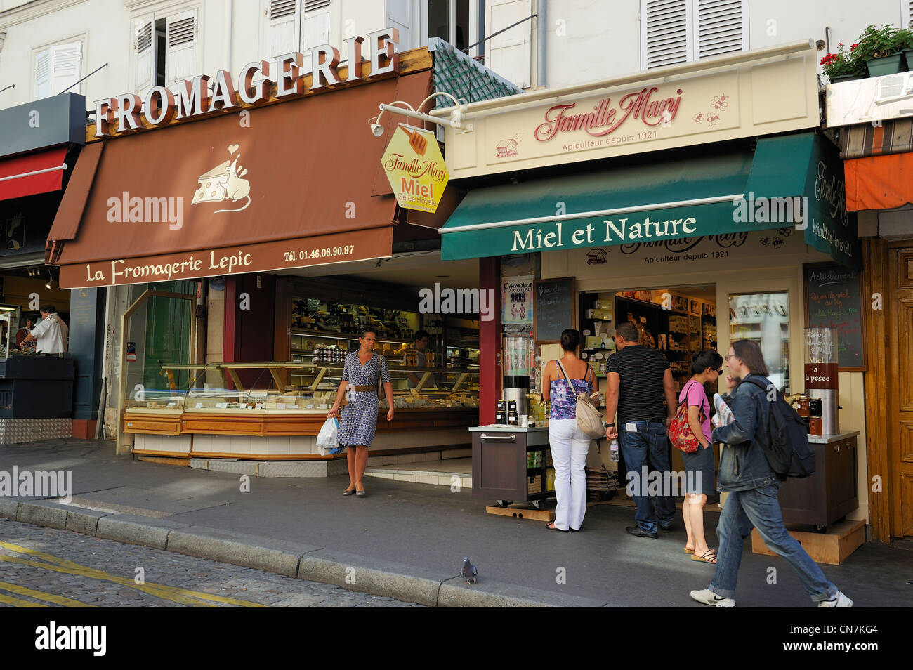 France, Paris, Montmartre, food shops in the Rue Lepic - Stock Image
