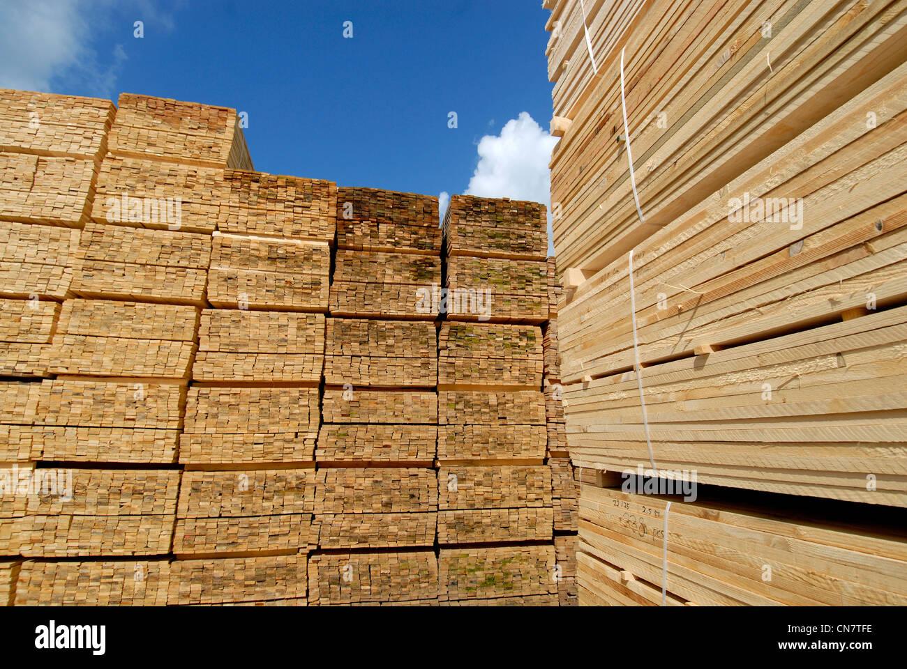 France, Vosges, Xonrupt, J. Mathieu sawmill, spruce boards - Stock Image