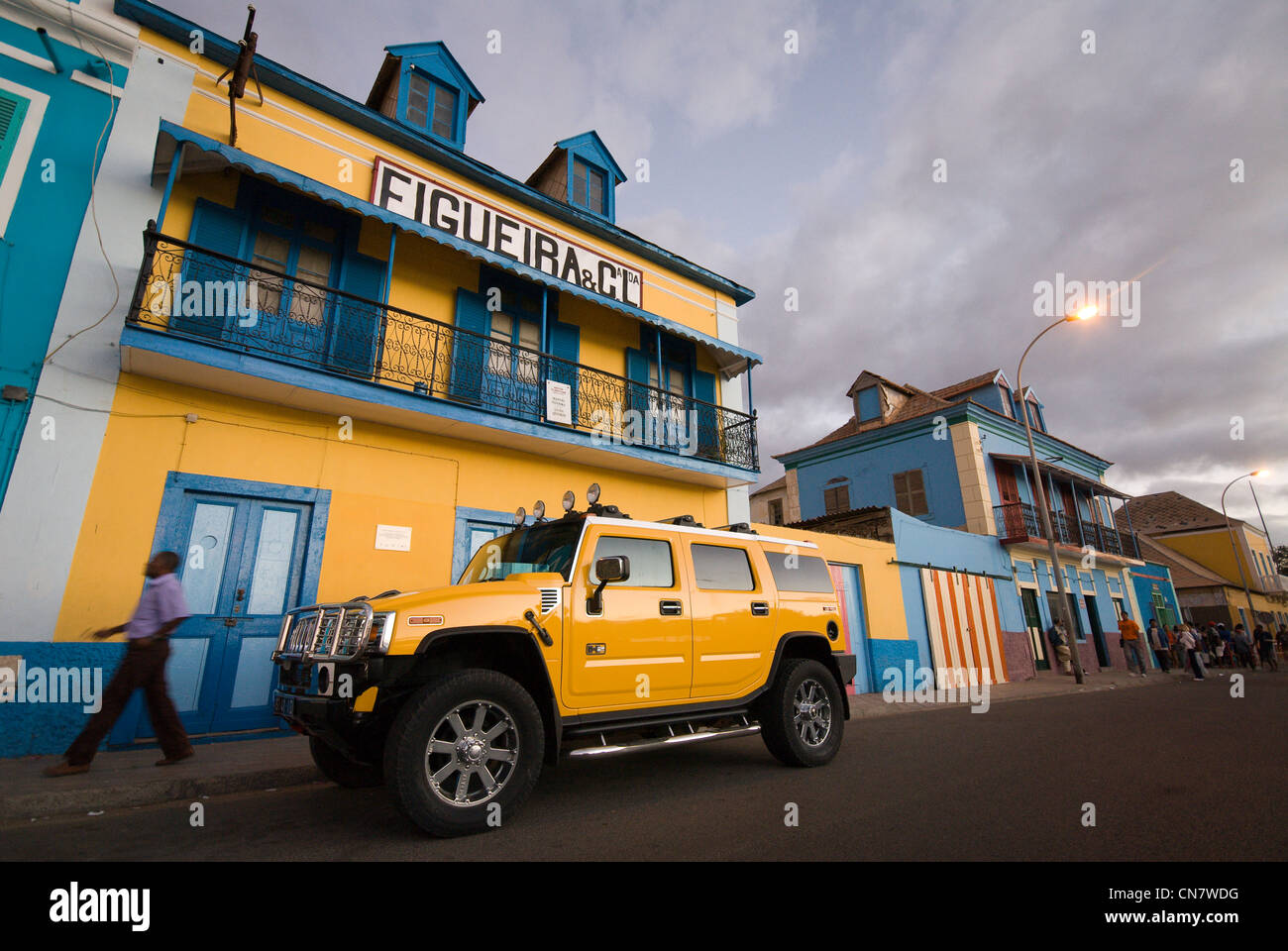 Cape Verde, Sao Vicente island, Mindelo, Hummer parked in front of a house colored in the twilight - Stock Image