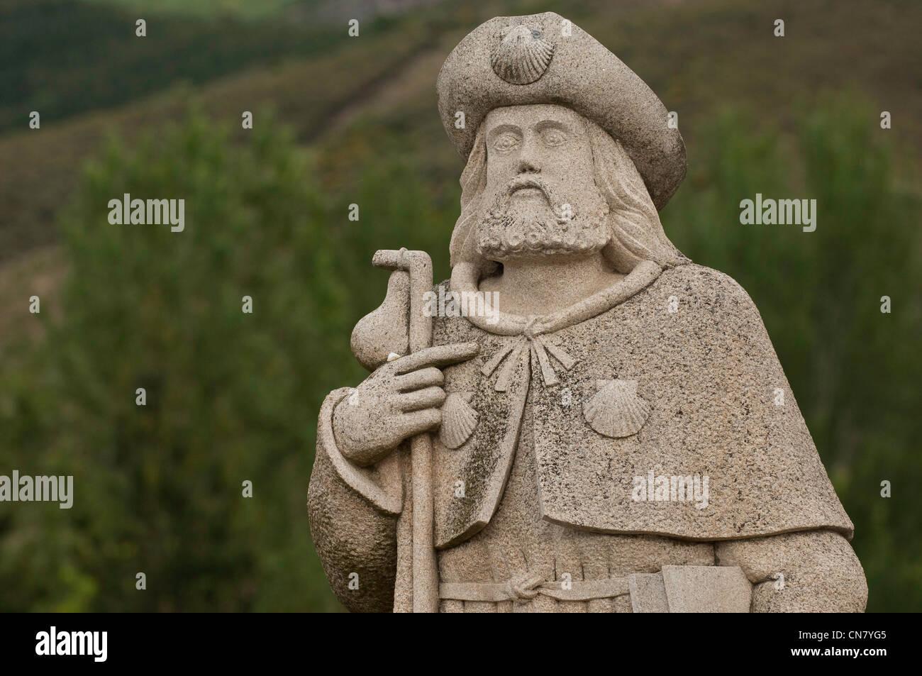 Spain, Castile and Leon, Ponferrada, statue of a Santiago pilgrim - Stock Image