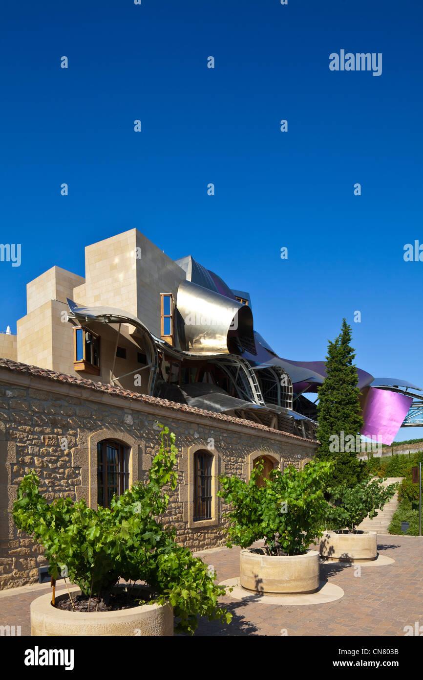 Spain, Spanish Basque Country, Alava Province, Rioja Alavesa, Elciego, wine cellars with Hotel Marques de Riscal - Stock Image